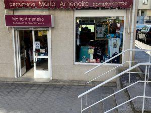 PERFUMERÍA MARTA AMENEIRO COMPLEMENTOS. Pasea por Fene